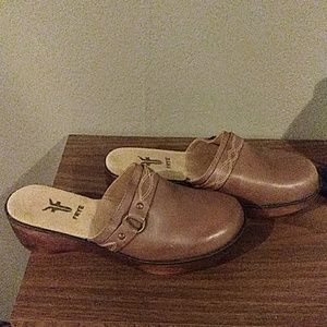 Frye Brown Leather Clogs 10